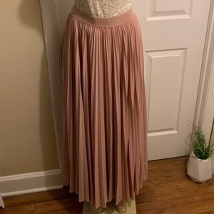 BCBG maxi pleaded long skirt